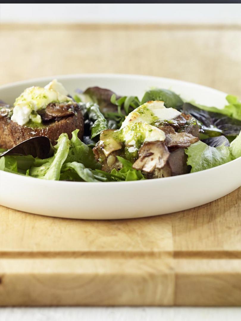 recept 39 salade geitenkaas met gemarineerde champignons en pesto 39 njam. Black Bedroom Furniture Sets. Home Design Ideas